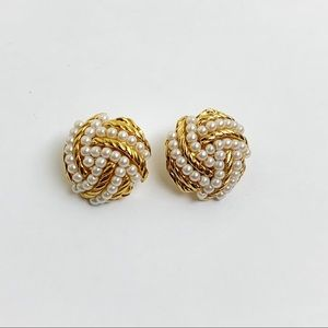 Avon Faux Pearl Gold Tone Clip On Earrings